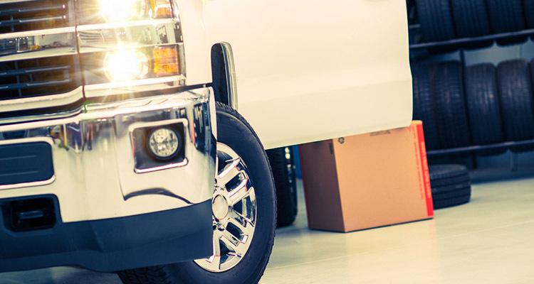 Top 5 Scenarios When You Must Call Mobile Tire Services